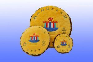 Hannukkah-Gelt-dog-squeaker-toy