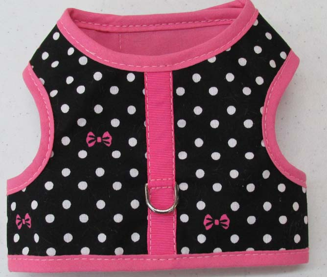 Harness-Black-with-Dots-and-Bows-Pink-Trim