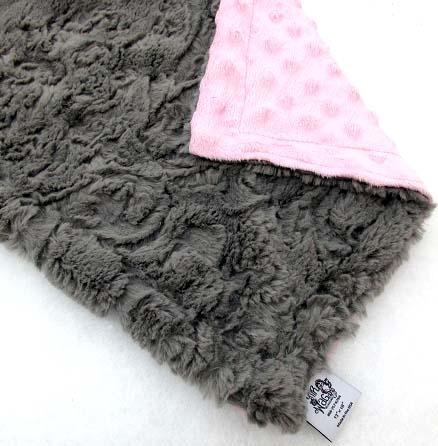 oyster-pink-dots-dog-binkey-blanket